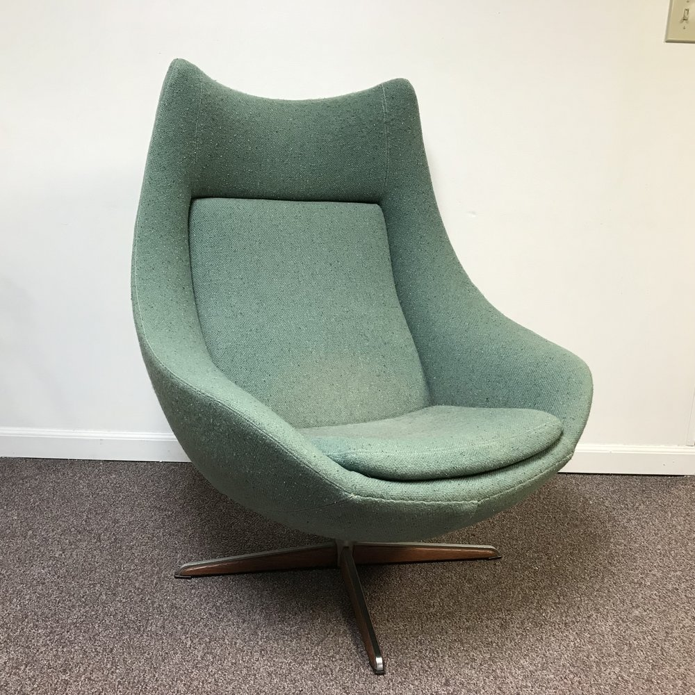 Superbe Mid Century Egg Chair ...
