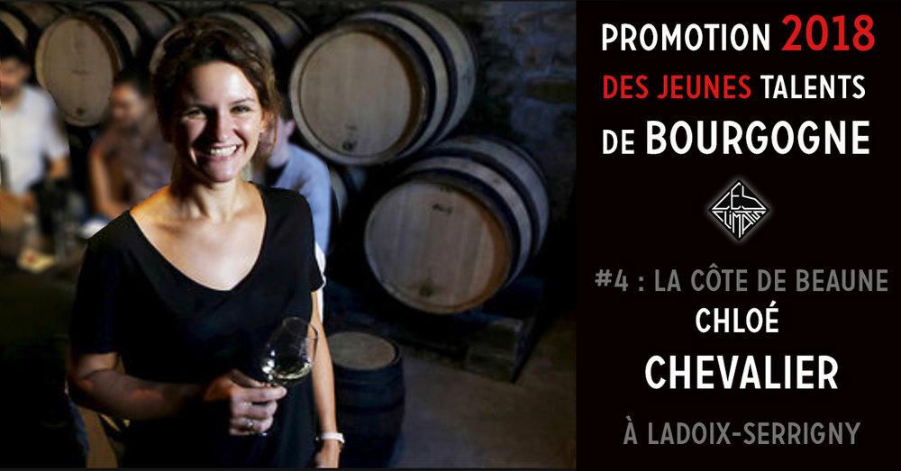 Chez les Chevalier la vigne est une histoire de famille depuis 5 générations. Créé en 1850 par leur arrière-arrière-grand-père, le domaine est aujourd'hui dans les mains d'une formidable équipe de soeurs, sous l'oeil attentif de leur père Claude. Chloé - tout juste sortie d'un BTS Viti-Oeno - a fait un premier passage sur le domaine en 2008. Après un tour à l'étranger, elle est revenue définitivement en 2010 pour prendre en charge la partie Vigne et Vins, avec une idée précise des vins qu'elle avait envie de faire et une forte envie de mettre les Pinot Noir du domaine sur le devant de la scène. Les 2016 sont pour elle le millésime le plus abouti et c'est pour ce millésime qu'elle remporte le trophée Jeune Talent sur son vignoble ! Aujourd'hui le domaine s'étend sur 15 hectares, et propose des vins respectueux de leur terroir et porteurs de plaisir. Les vignes sont travaillées de façon très raisonnées et les vinifications s'effectuent avec un minimum d'intrants, et des fermentations naturelles.