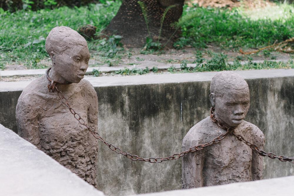 den mörkare delen av zanzibars historia med slaveri