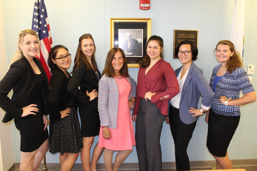 Anmei (second from right) and her fellow 2018 Women in Finance Fellows.