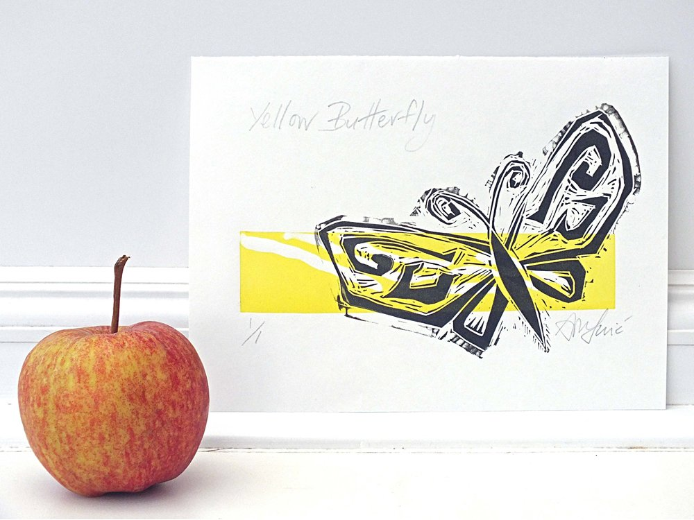 Yellow Design Butterfly apple.jpg