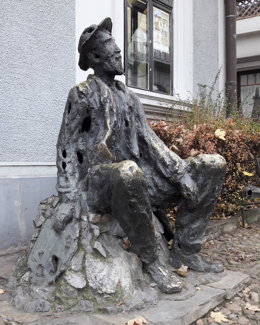Sculpture of the Serbian poet, Djura Jakšić, by sculptor Jovan Soldatović, Skadarlija