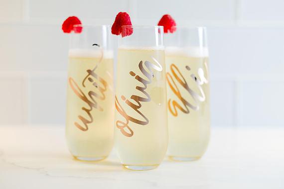 6. Champagne Flutes - partyflutes
