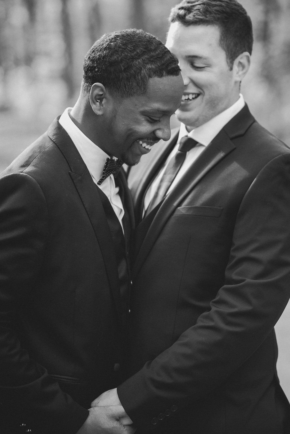 RiverClubofMequon-MequonWI-LGBT-Gay-StyledShoot-21-Copy1.jpg