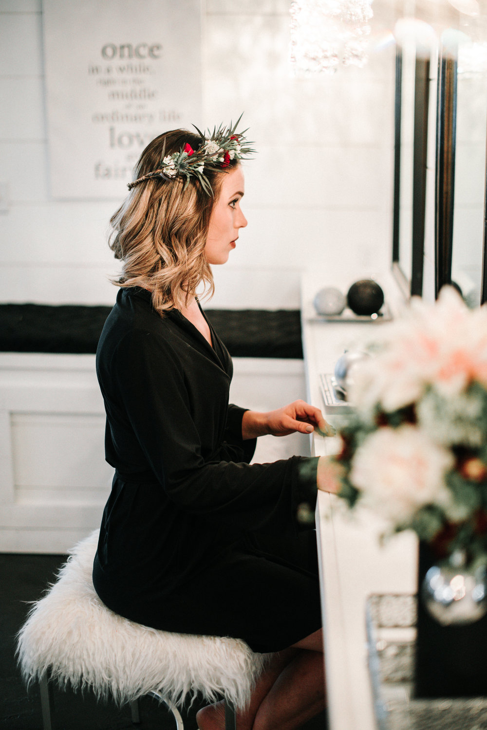 boho chic winter wedding by Breanna Kay Photography for Destination Wisconsin Wedding BLog