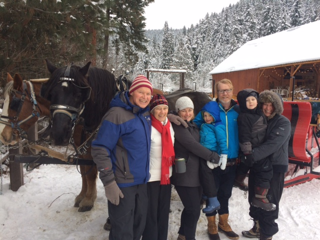 Family holiday fun...with horses! Two of my favorite things, combined.