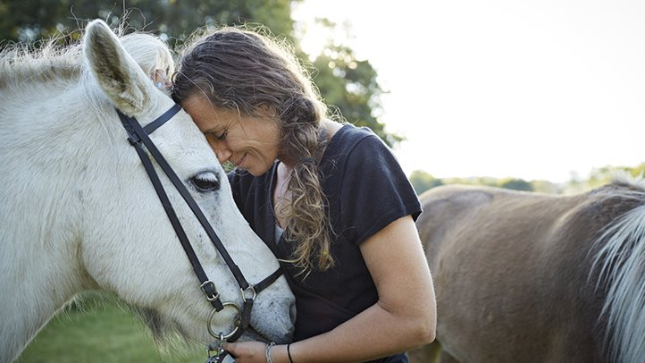 Equine-Assisted-Therapy-722x406.jpg