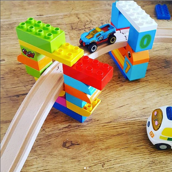 Duplo Bridges - Why not develop little engineers by setting up this invitation to build a bridge?@mumtomessyboys