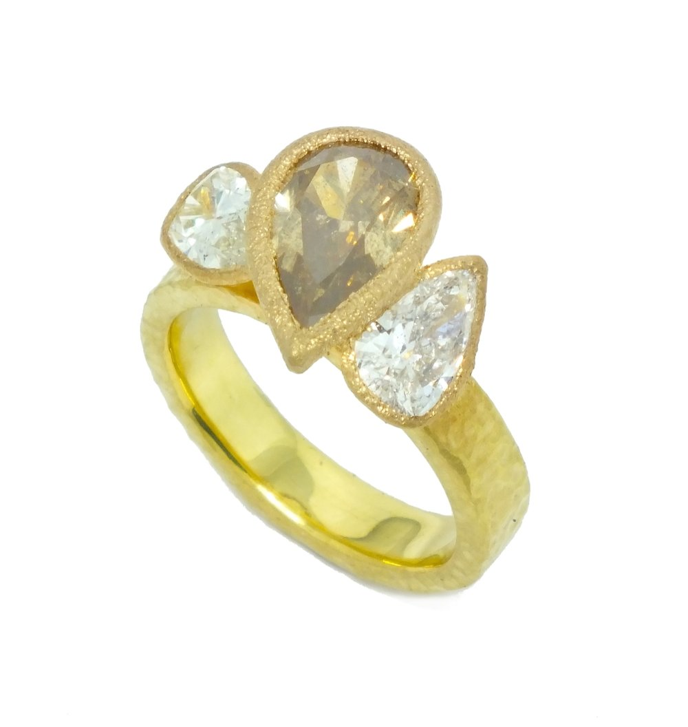 2.34ct+yellow+orange.pear.WH_tap_by_Todd_Pownell.jpeg