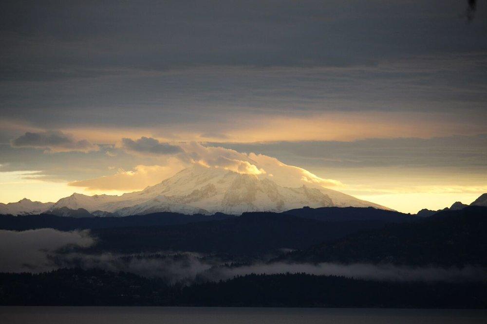 Mount-Baker-Lummi-Island-Isaac-Colgan.jpg