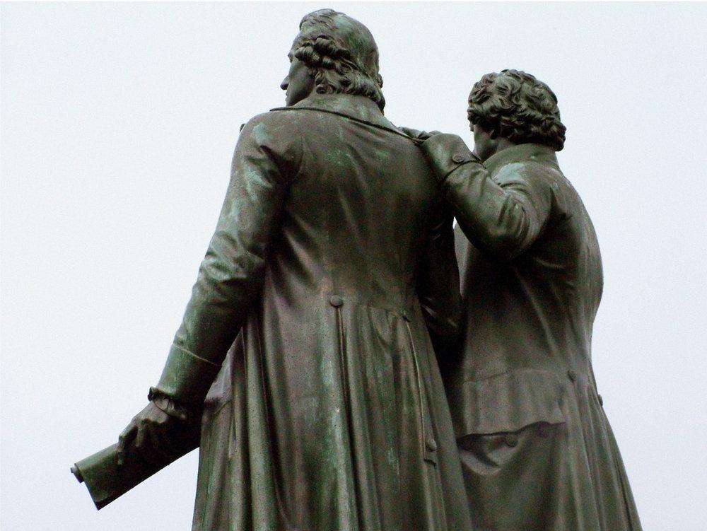 Goethe et Schiller. Photo: Ariane Stroomberg, 2004.