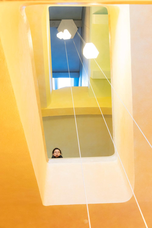 Cage d'escalier du Goetheanum, siège de la Société anthroposophique générale, ouvert tous les jours au public.