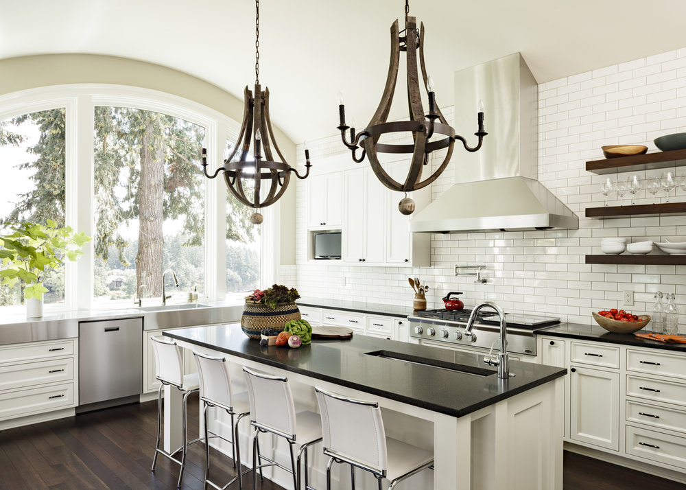 Lake Oswego kitchen design by Jenni Leasia Interior Design