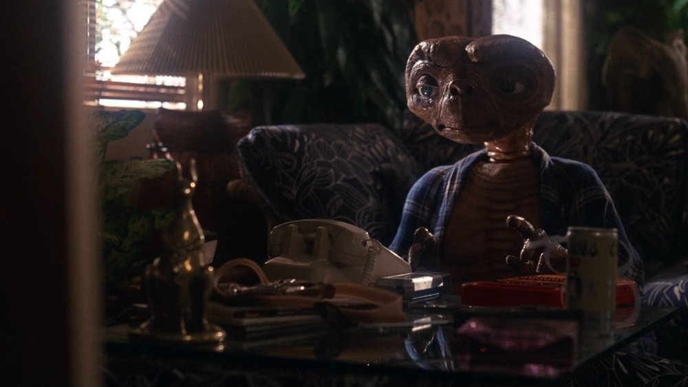 Coors-Beer-–-E.T.-the-Extra-Terrestrial-1982-3.jpg
