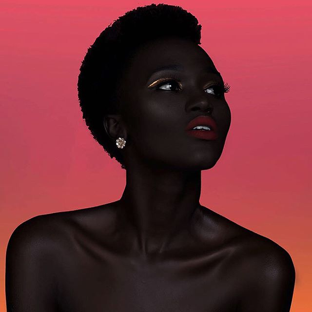 Nyakim Gatwech, a South Sudanese fashion model, was once suggested by her Uber driver to bleach her skin. Her response? Laughter. She has now fully embraced a role of self-love advocacy and often openly challenges beauty and skin within stereotypes. ❤️✊🏿