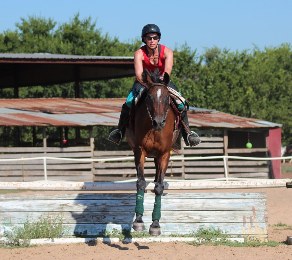Dr. Lore Haug has a speciality in horses, and loves to ride her horse Yippee.