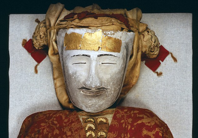 400 AD - Mummified Ying Pan man discovered in China wearing a painted mask made from Hemp - the earliest known Hemp bio-plastic.