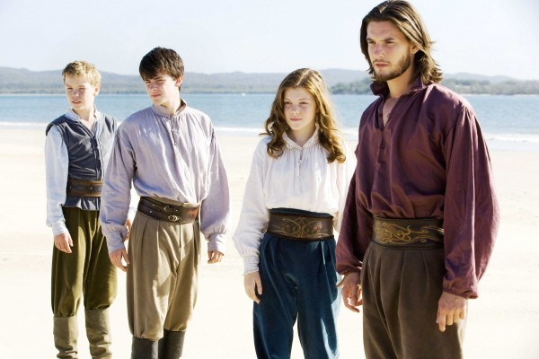 chronicles-narnia-dawn-treader-600x400.jpg