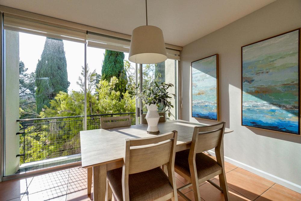5 Dining Room Balcony.jpg