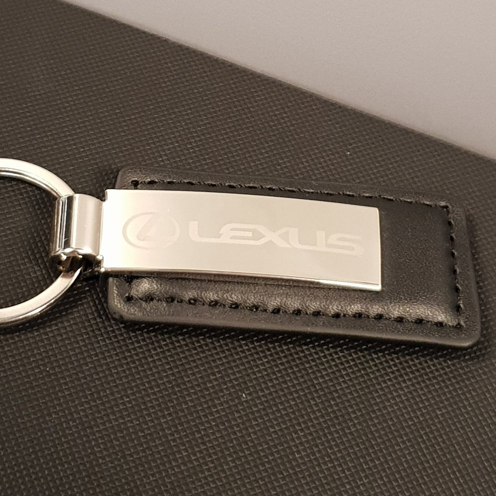 Leather/metal keyring   lexus