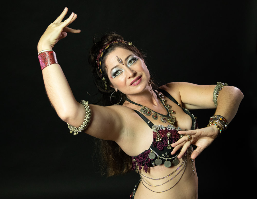 Kahri Sahirah   Kahri Sahirah discovered Belly Dance in 2002 and it has been her passion ever since. She has studied many different forms of Belly Dance from Classical Egyptian to Tribal Fusion. Her teachers include Kami Liddle, Zoe Jakes, Mirayah Delamar, Ansuya, Sadie, Lynette Day and many others. She has been privileged to dance with Sacred Earth Bellydance, Raks Shakti and, most recently, Maui Belly Dance Company. She also regularly performs as a soloist.