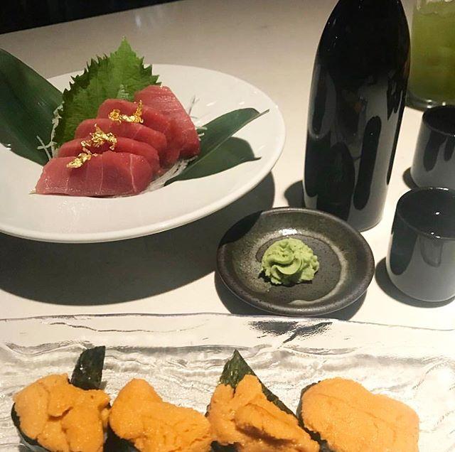 Hump Day calls for uni & toro topped with gold flakes! #treatyoself Thank you @deniseella1 for sharing this photo . . . . #sakanadtla #sakanasushi #downtownla #downtown #dtla #losangeles #eater #eaterla #buzfeedfood #abc7eyewitness #downtownlanews #sushi #japanesefood #tuna #dinela #hypbeast #hypefeast #infatuationla #downtownlabar #bar  #sushibar #lahappyhour #LAsocial #exloredtla #happeningdtla #dtlanews #dtlalunch #zagat