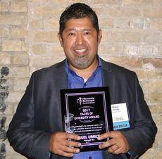 miguelurrutia_award.jpg