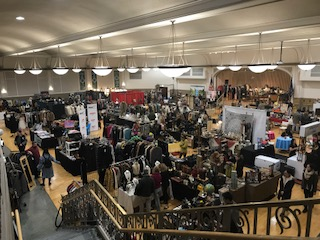 The main exhibition hall... tons of really cool vendors!