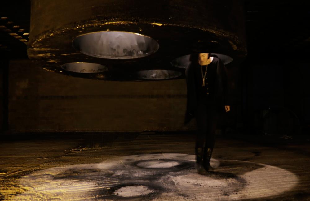 Black Hole   2015  118*78*78 inches  aluminum square tube, wood,fabric, asphalt, light bulbs