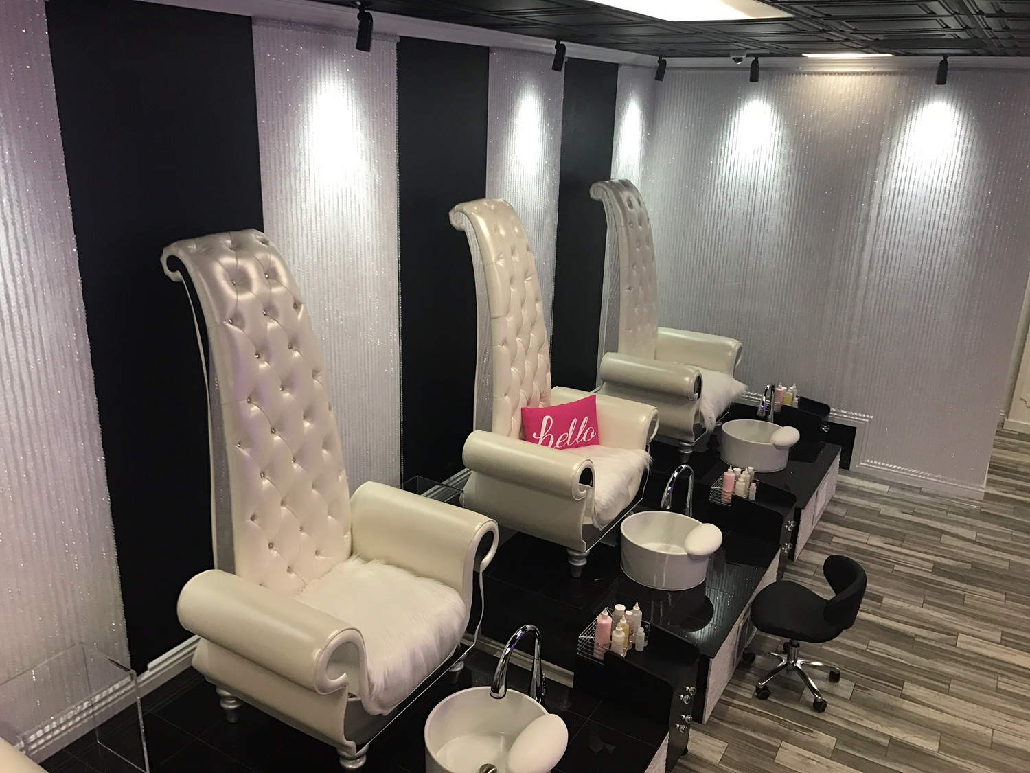 LivLav Nail Bar Jamie Urner Interior Design