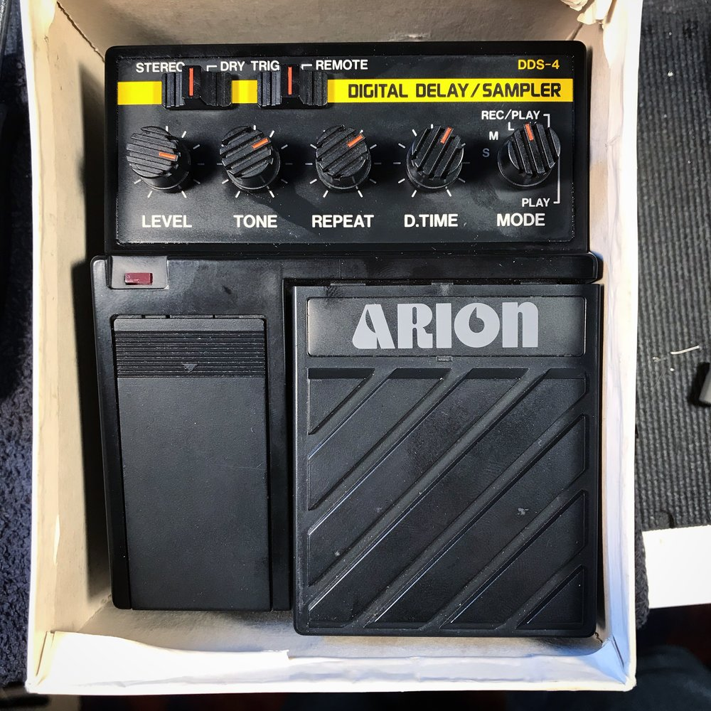 Arion DDS-4 Digital Delay-Sampler Pedal