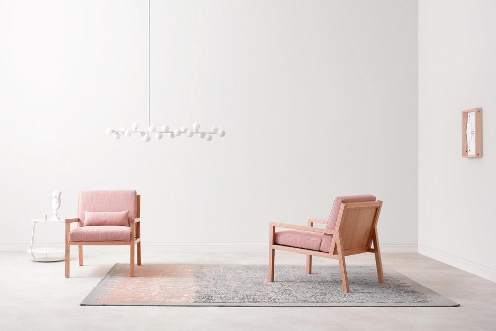 Bella Sedia. Bella Chair.Paola Zani: arredamento di design made in italy. Maestria artigianale e ricerca formale. Paola Zani: Furniture design made in Italy. Craftsmanship and research.
