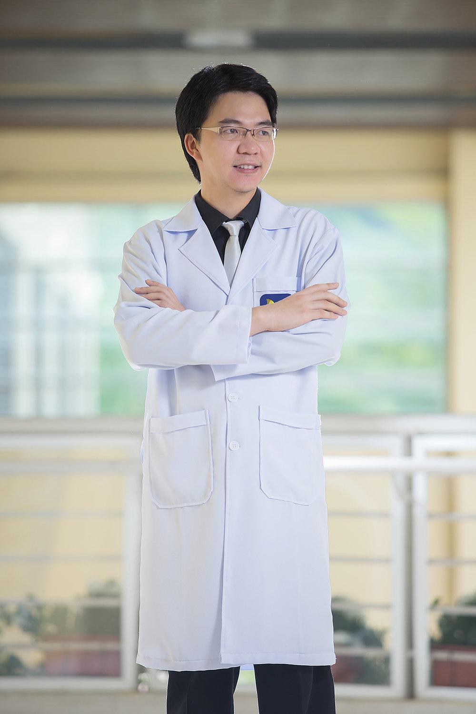 Dr.Narupon Rojanapithayakorn - Plastic & Reconstructive Surgery