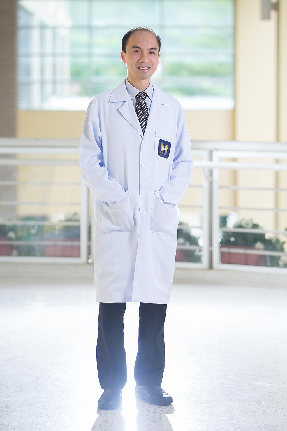 Dr. Poonsak Sumritmanoporn - General Practice, Plastic and Reconstructive Surgery