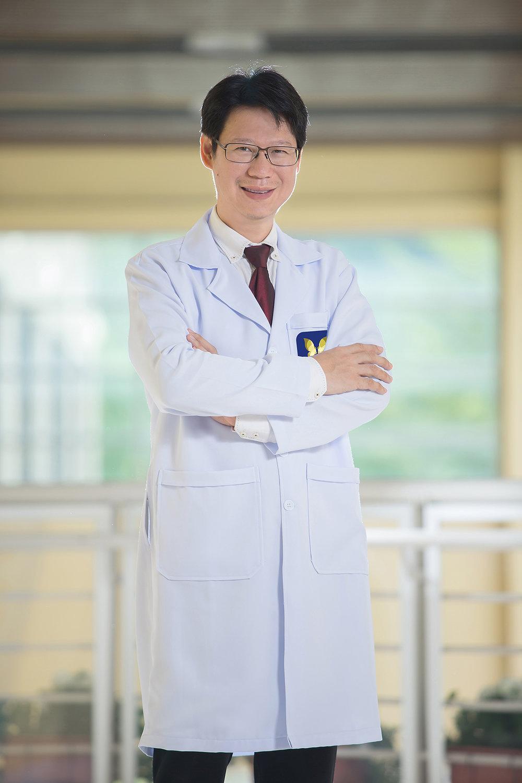 Dr. Veerawat Tirananmongkol - Plastic Surgery (Cosmetic Surgery)