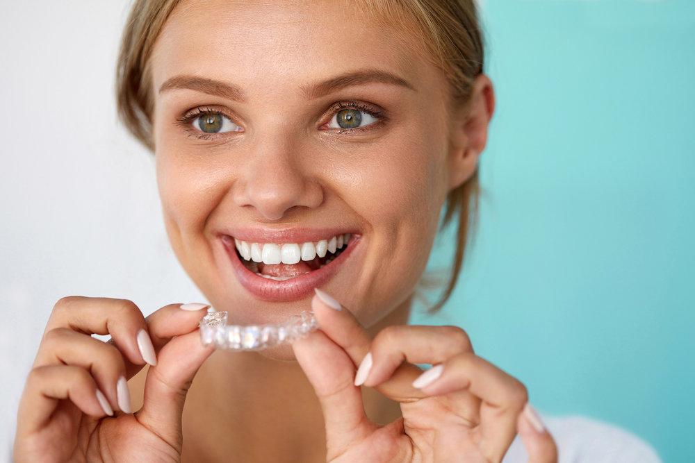 "<a href=""#whitening"">Teeth Whitening</a>"