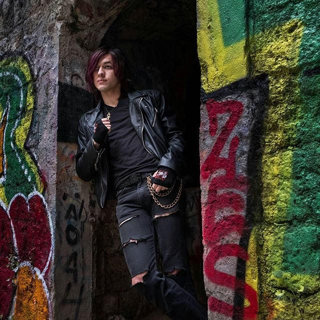 The rest of my shoot set with @elrinell #graffiti #petiteceinturedeparis #model #abandonedplaces #fujifilm #naturallight