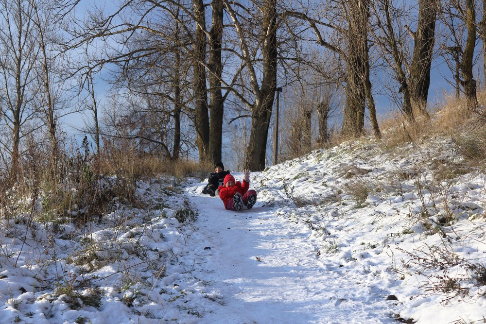 what to do with kids outdoors in the winter