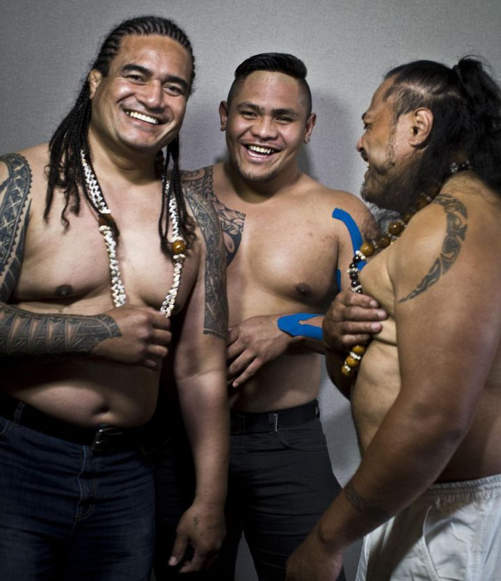 (Tuugahala (left) on set with fellow Mercenaire stars Toki Polioki (middle) and Laurent Pakihivatau (right).