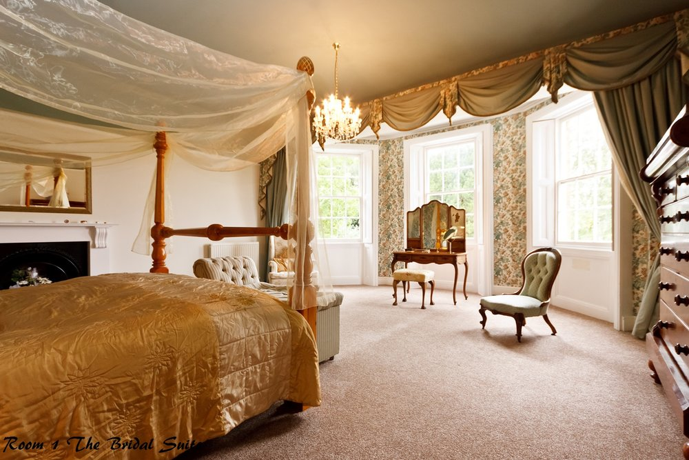 Bridal suite with super king four poster bed for weddings at Skendleby Hall