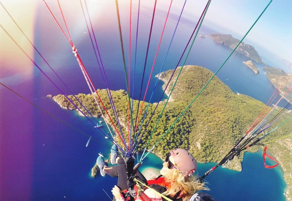 Udělala jsem si pilotní průkaz a splnila si sen létat na vlastním křídle nad mořskou lagunou.  TURECKO - rok 2015