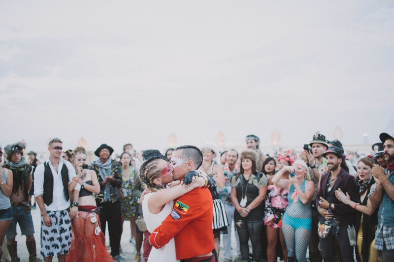 Burning-Man-wedding-kiss-II-800x533.jpg