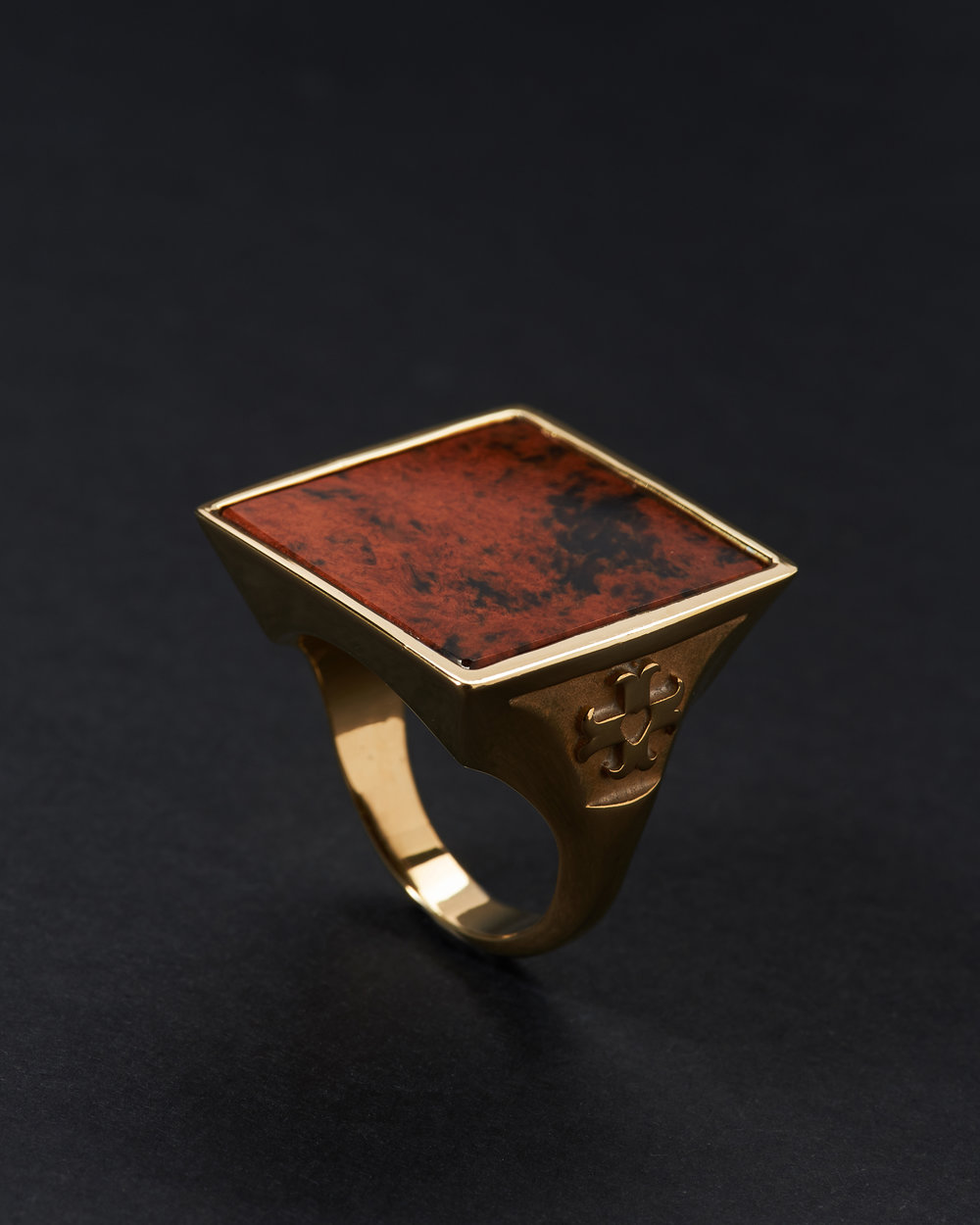 VINTAGE STONE GOLD 18K  Anonyme