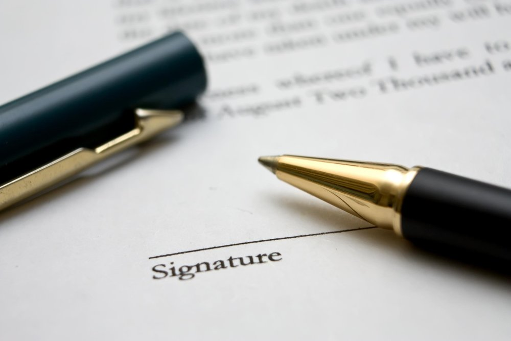 signature line and pen (grounds for divorce).jpg