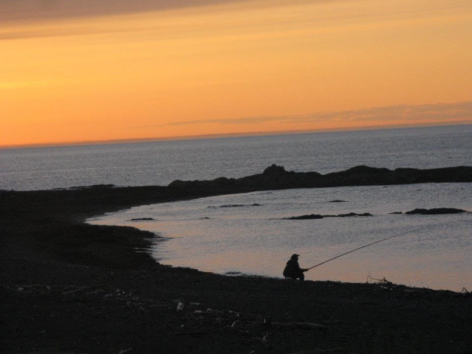 Pêcheur devant l'auberge