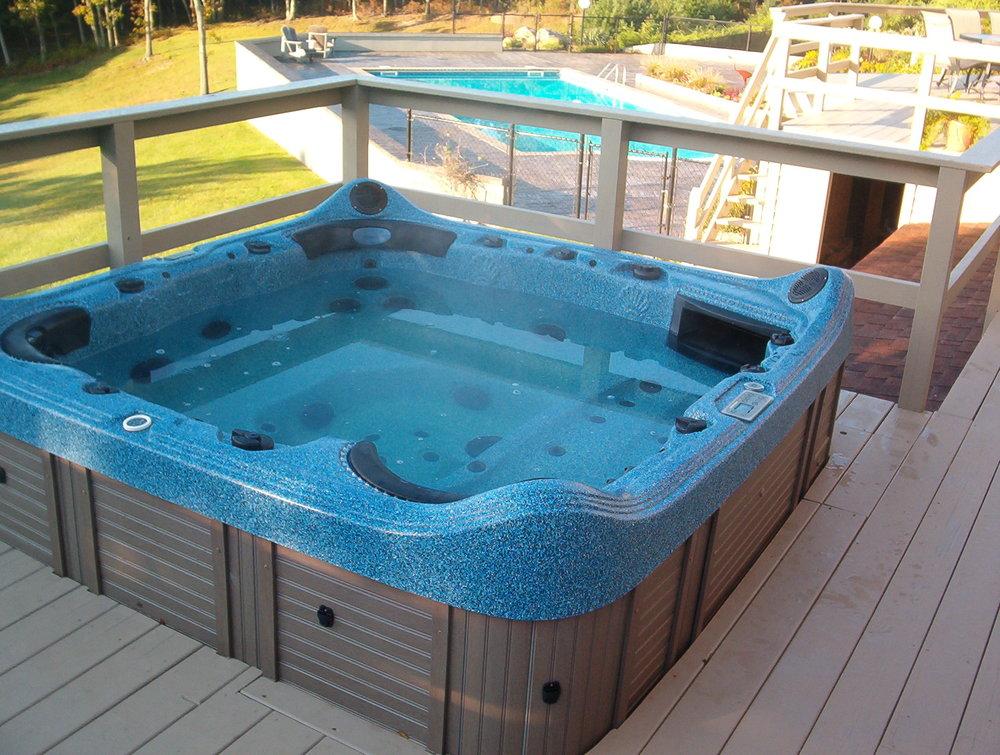 45 RCR Hot Tub.JPG