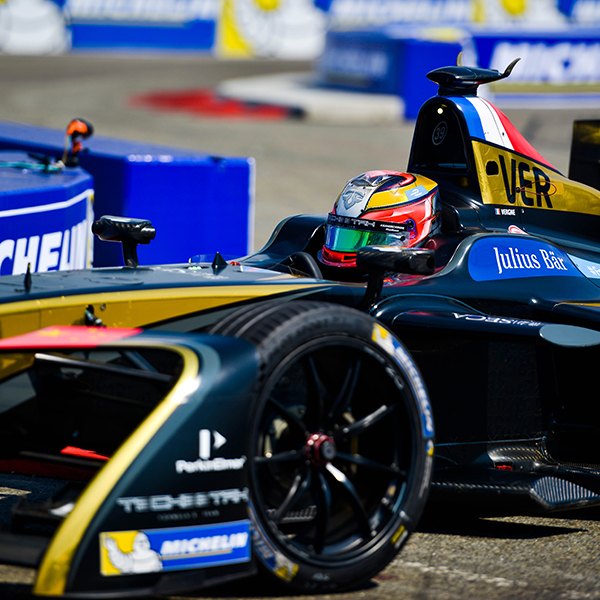 TeCheetah FIA FORMULA E CHAMPIONSHIP   We had the opportunity to work with the racing team for the inaugural 2017 NYC ePrix in Brooklyn, New York.    The project included a 360° garage tour hosted by driver Jean-Eric Vergne.