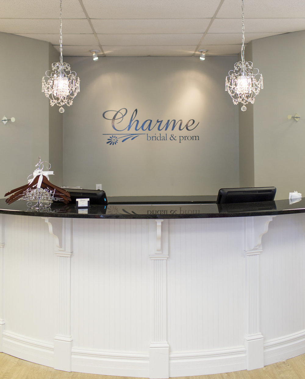 Laurie_Brotherton_Charme_Bridal_and_Prom_Boutique_008.jpg