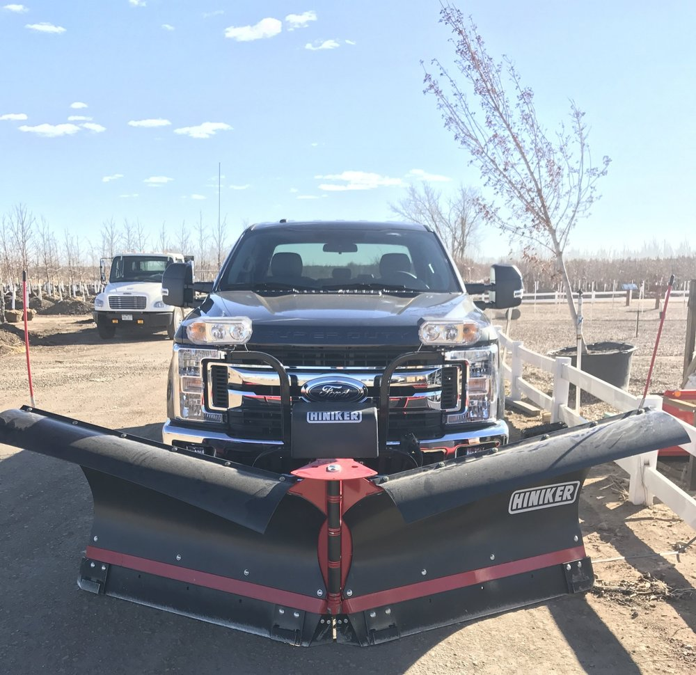 This torsion trip 9' V-Plow & reflector kit that we installed on a customer's 2017 Ford F-350 makes quite the snow removal setup. V-Plows are a necessity for rural and mountain drift busting!