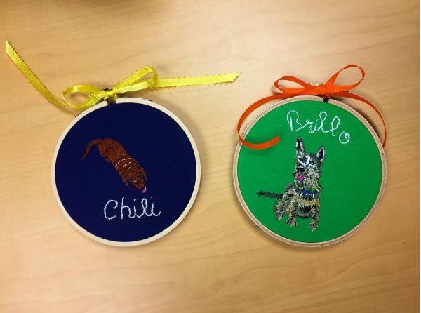 Chili & Brillo I was lucky enough to get to stitch little portraits of my friend Gaby's (@hellogabyandco) puppies Chili and Brillo as part of a holiday gift exchange! They are based on Gaby's beyond charming drawings. She is an extremely awesome illustrator!!!